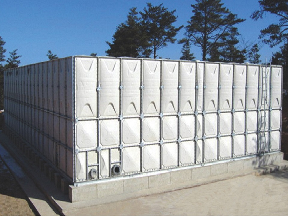 Sheet Moulding Compound Water Tank